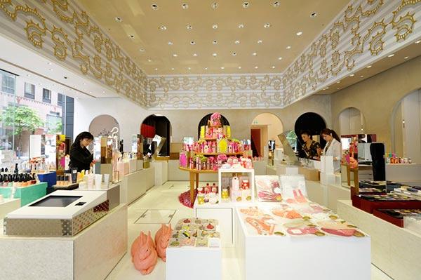资生堂化妆品展厅设计图04