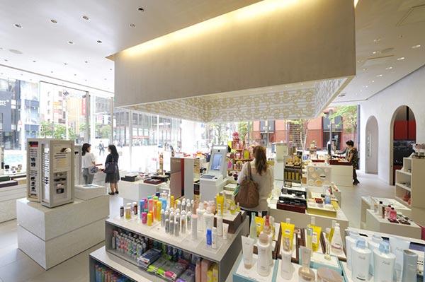 资生堂化妆品展厅设计图05